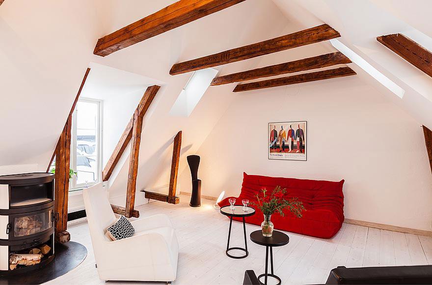 Medium Attic Living Room Design Idinys Ir Krosnel Pal P Je Interjero Id Jos Ugnis Gyvenimui